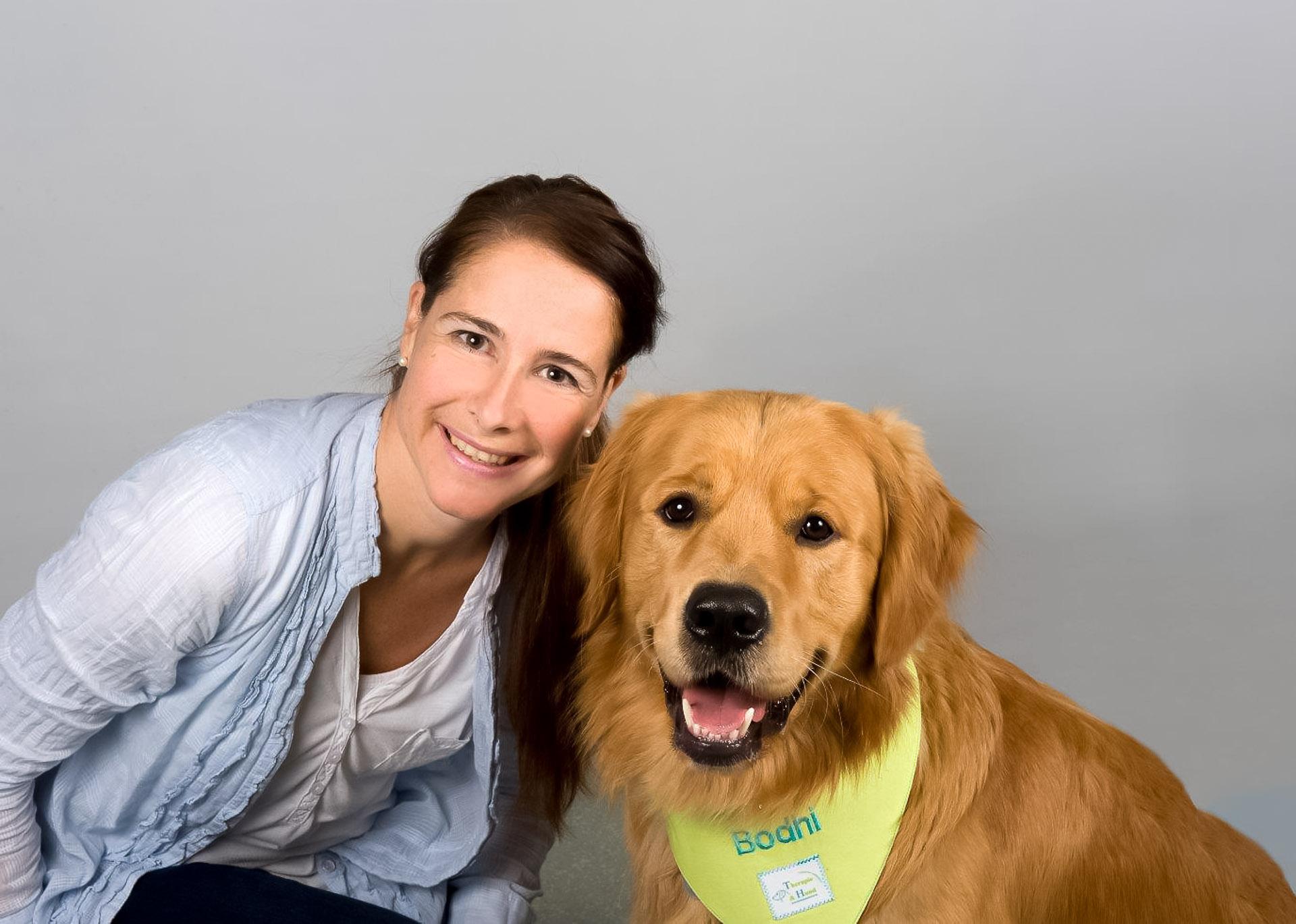 Claudia Peter-Plum mit Hund Bodhi